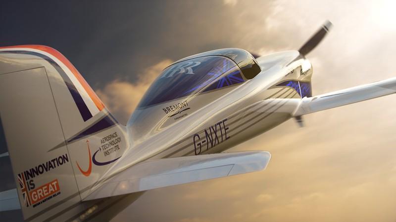 Rolls-Royce'un tamamen elektrikli uçağı ilk uçuşunu tamamladı 12