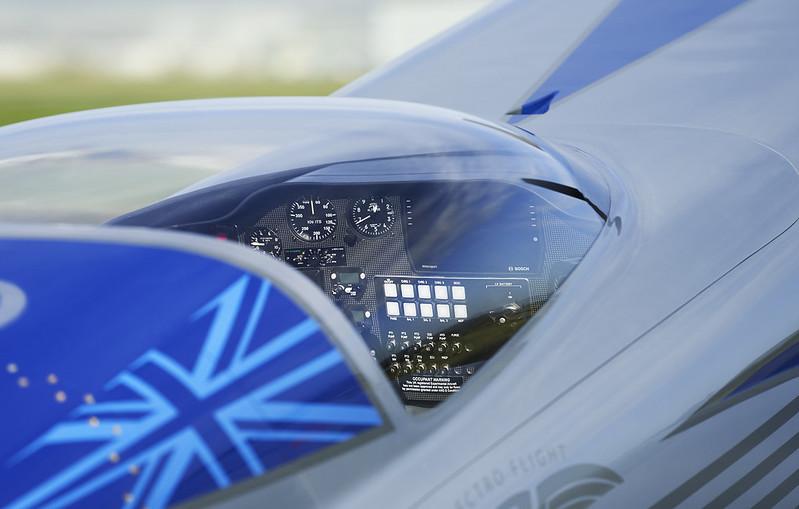 Rolls-Royce'un tamamen elektrikli uçağı ilk uçuşunu tamamladı 22