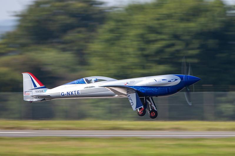 Rolls-Royce'un tamamen elektrikli uçağı ilk uçuşunu tamamladı 31