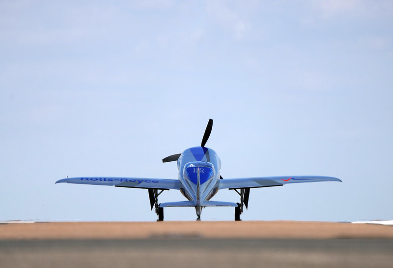 Rolls-Royce'un tamamen elektrikli uçağı ilk uçuşunu tamamladı 32
