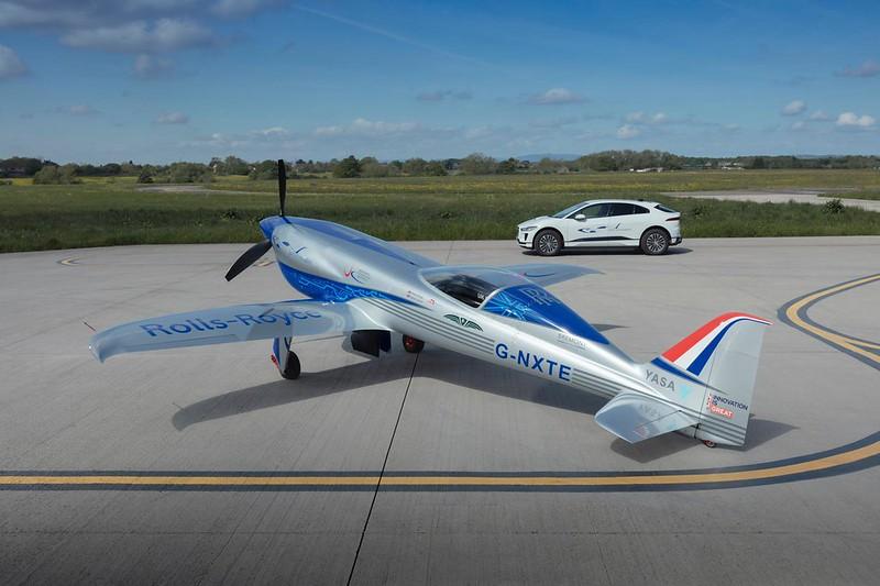 Rolls-Royce'un tamamen elektrikli uçağı ilk uçuşunu tamamladı 41
