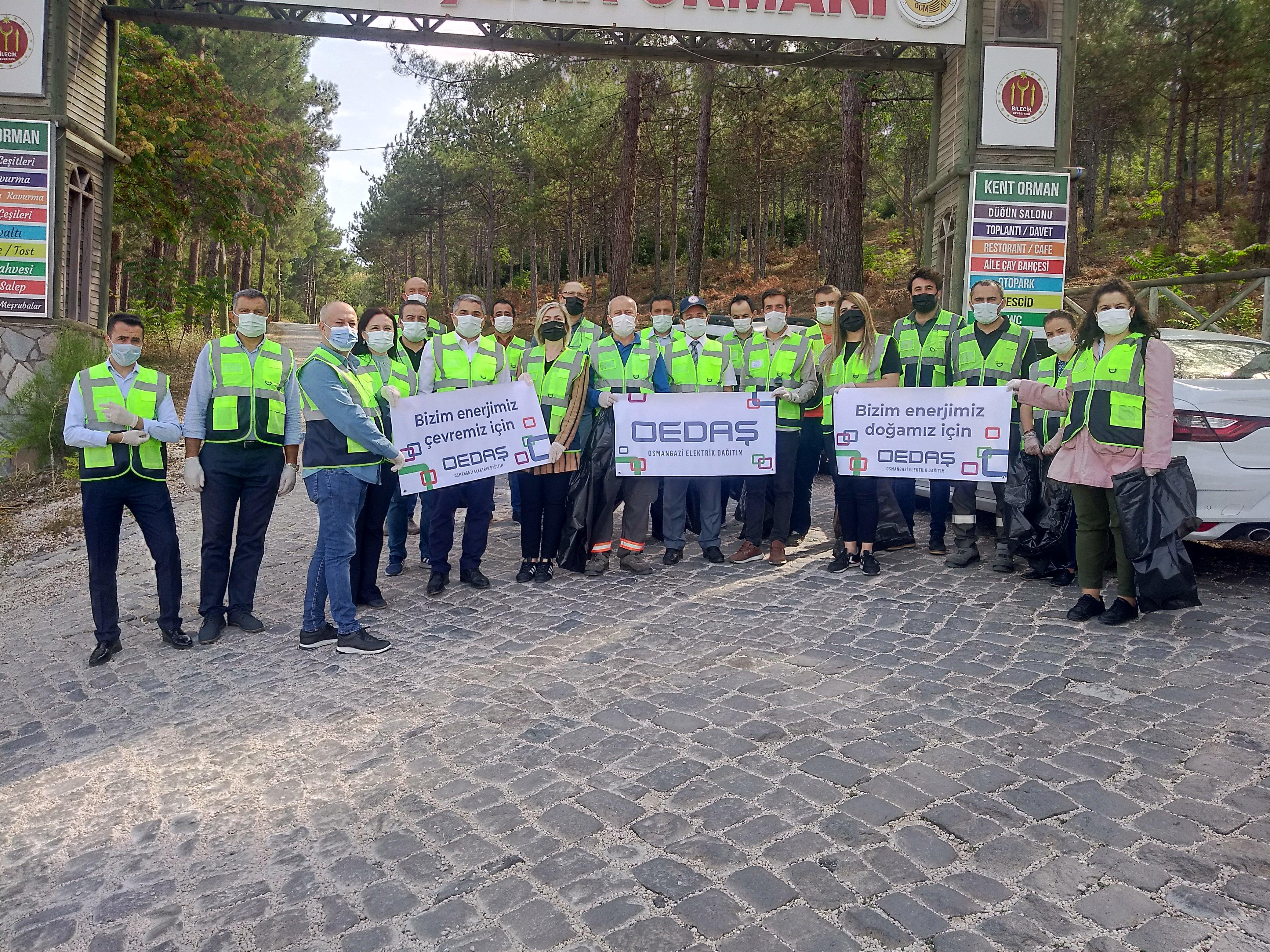 OEDAŞ çalışanları ormanı temizledi