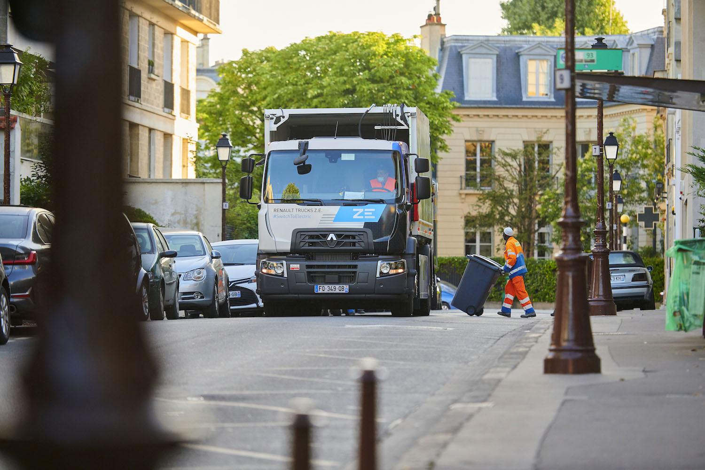 Renault'nun elektrikli kamyonları, Fransa'da evsel atık topluyor 2