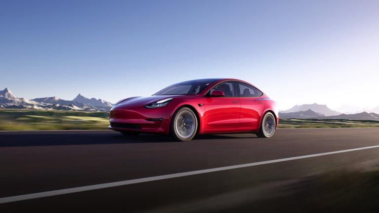 En uzun menzile sahip 30 elektrikli otomobil 1