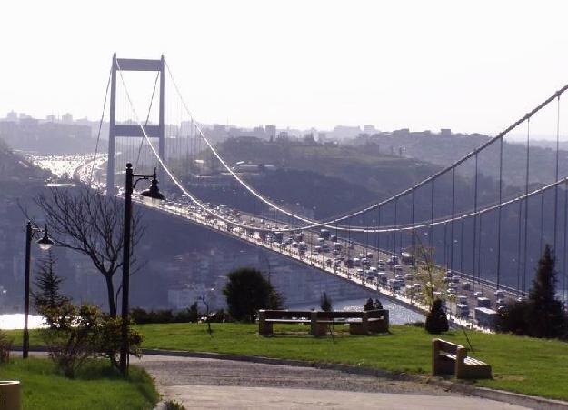 Köprü ve otoyollar Koç ve Ülker`in