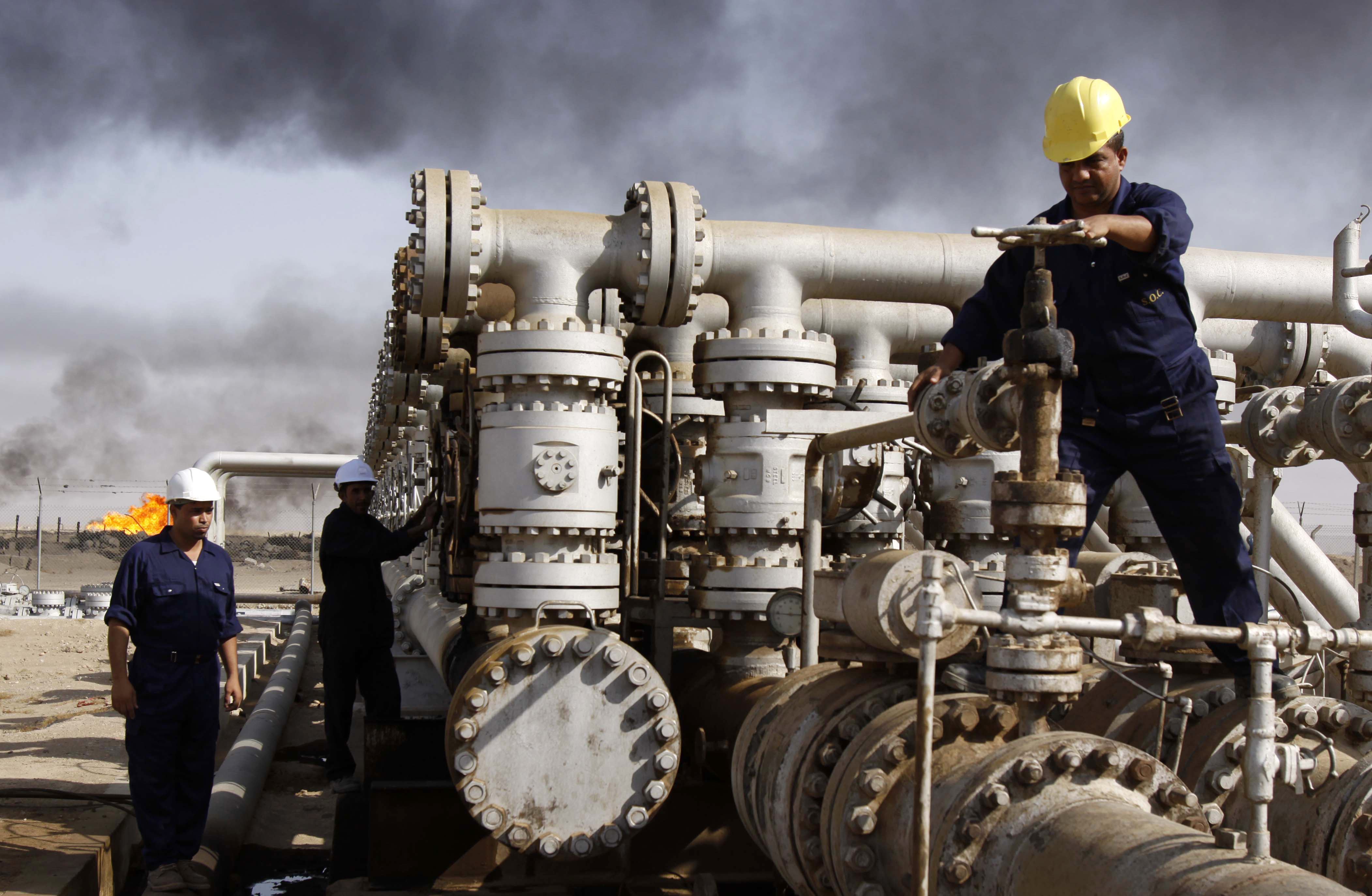 Benzin sıkıntısına karşı rafineri inşa ediliyor
