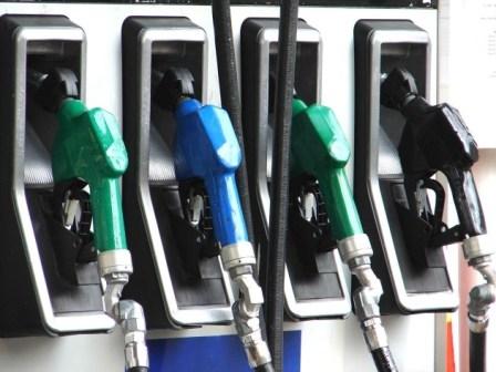 Ekim`de benzin satışları arttı