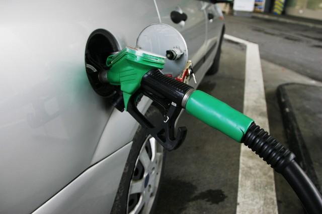 Motorine de zam! Bir depo benzin 250 TL!