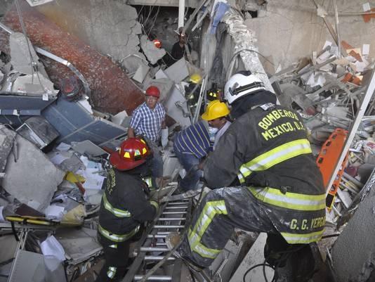 Petrol şirketinde patlama: 25 ölü