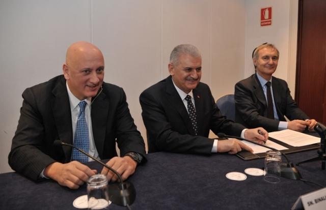 Turkcell, yerli akıllı telefon üretecek