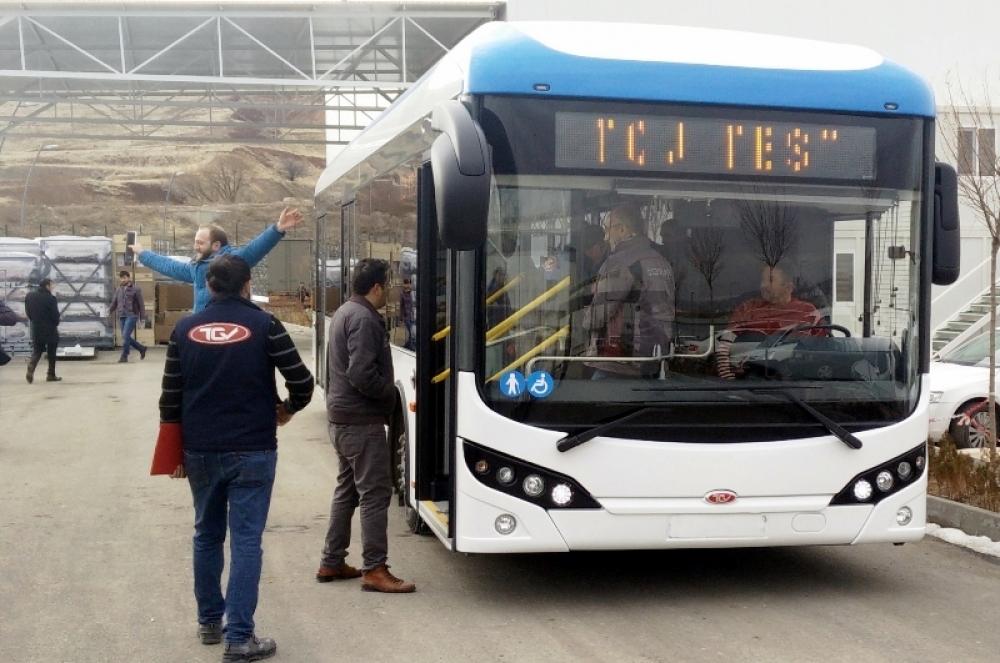 İzmir'in elektrikli otobüsleri gün sayıyor