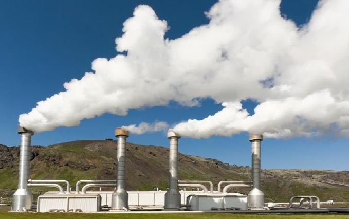Zorlu, jeotermal enerjiyle 400 bin evi aydınlatacak