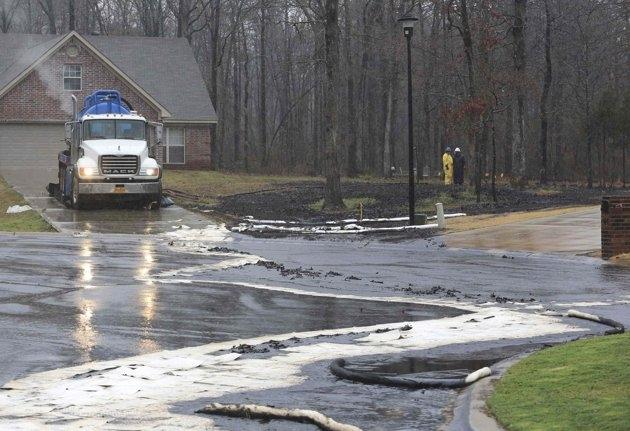 ExxonMobil'de 10 bin varillik petrol sızıntısı!