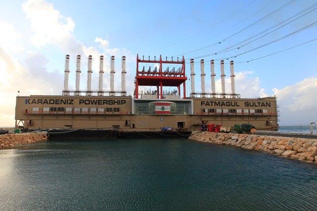 Beyrut'taki Türklere ait yüzer santraller çalışıyor