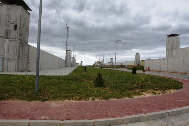Star Rafinerisi'nin hafriyatı ceza evini yeşile boyadı