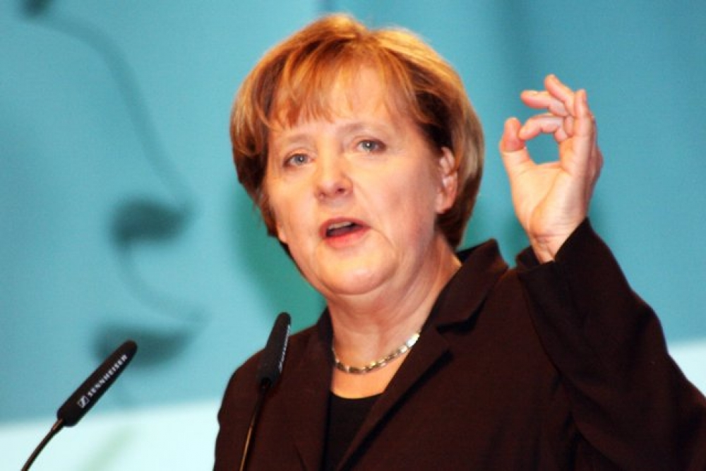 Merkel'den dizel araçlara yasağı önleme sözü