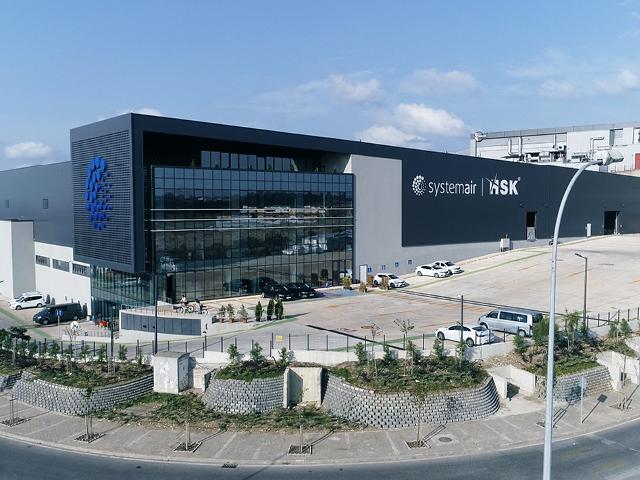 Systemair HSK'nın LEED Gold Sertifikalı fabrikası açıldı