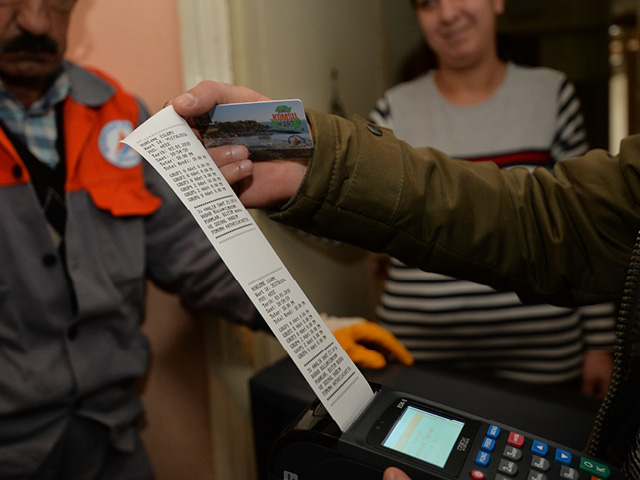 Antalya'da e-atık geliri öğrencilere burs oldu