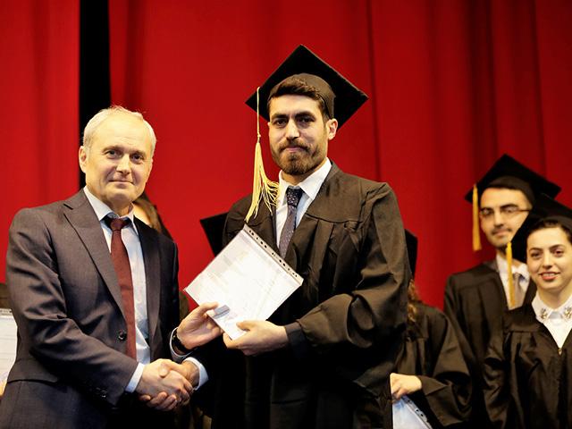 Akkuyu'da çalışacak öğrenciler diplomalarını aldı