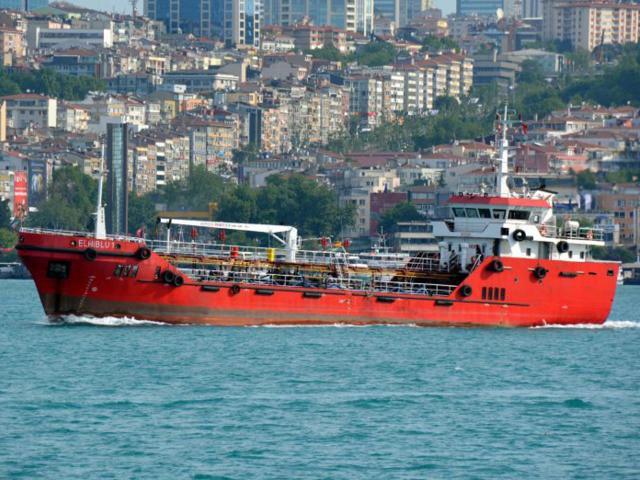 Libya'da ham petrol gemisi göçmenler tarafından kaçırıldı