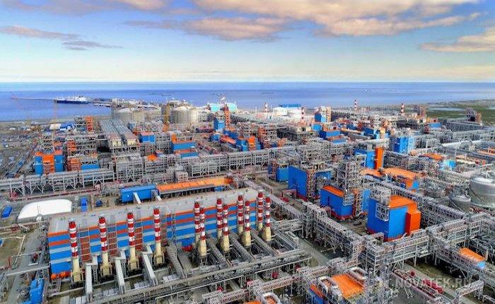 Total Novatek'in LNG terminallerine de ortak olacak