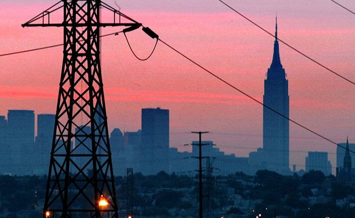 New York saatlerce elektriksiz kaldı