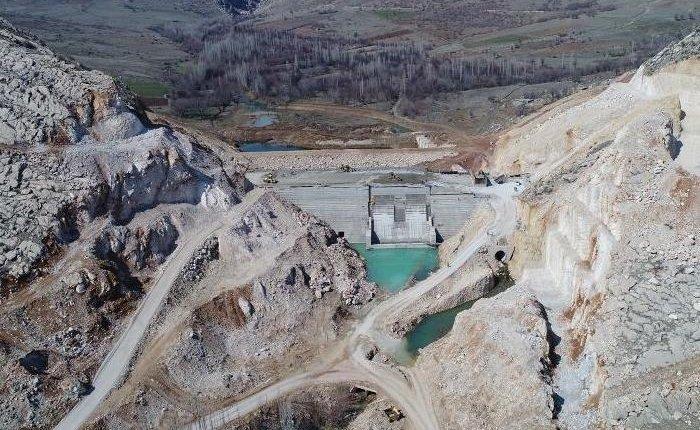 Diyarbakır Ergani Barajı'nda su tutulmaya başlandı