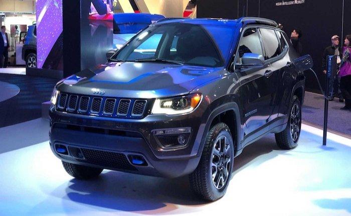 Jeep 3 elektrikli modelini sergiledi