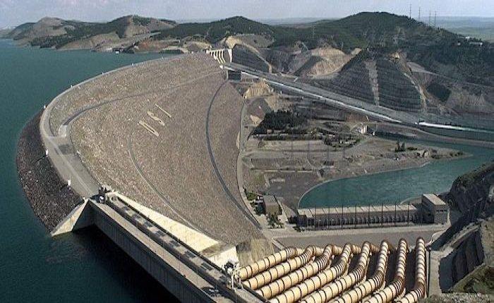 Atatürk Barajı 2019'da 3,3 milyar liralık enerji üretti