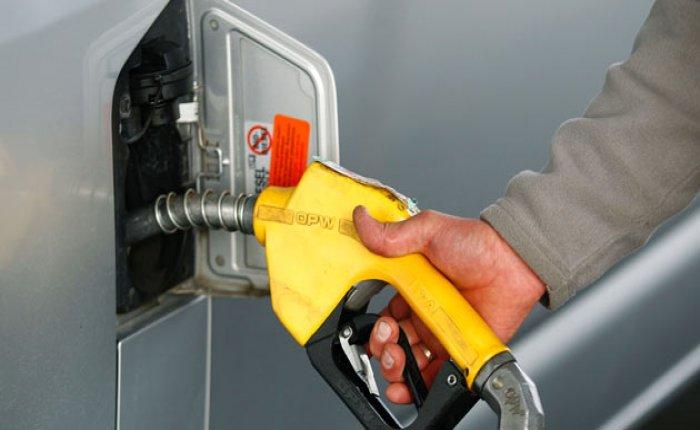 Benzin pompa satış fiyatları düştü