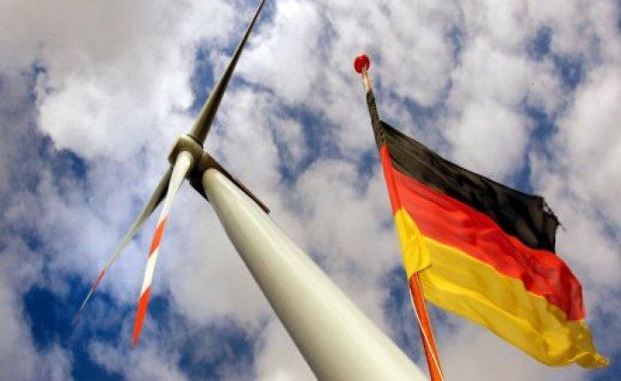 Almanya'nın elektrik üretiminde yenilenebilirin payı ilk kez yarıyı aştı