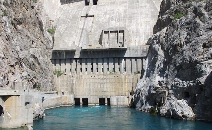 HES üretimi azalan Kırgızistan elektrik satın alacak