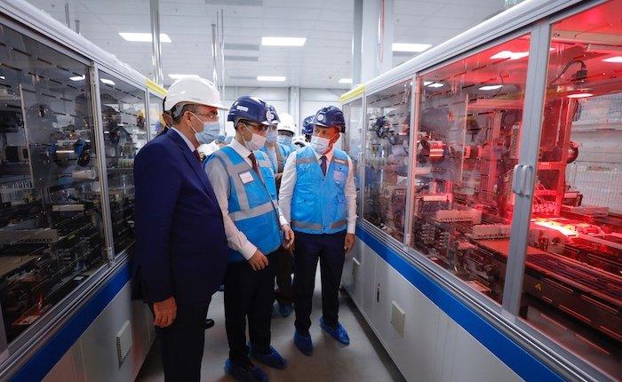 Türkiye'ninilk tam entegre güneş paneli fabrikası bir ay sonra açılacak