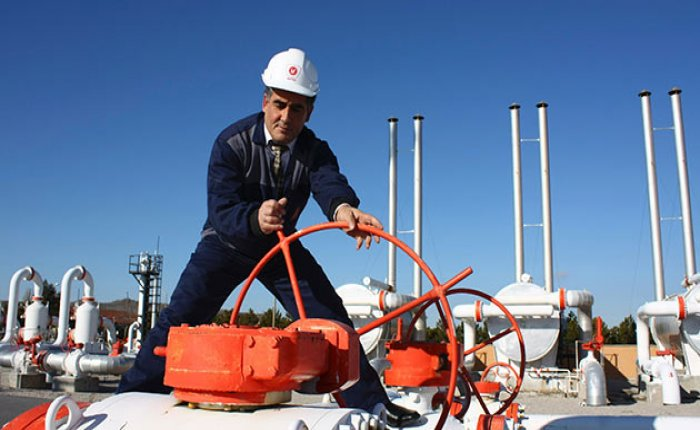 Türkiye'den boru hatlarıyla geçen petrol azaldı
