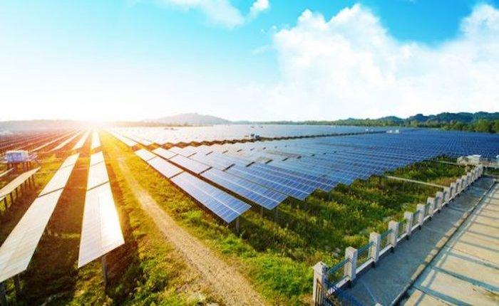 Alman Encavis İspanya'daki 300 MW'lık GES'ini şebekeye bağladı