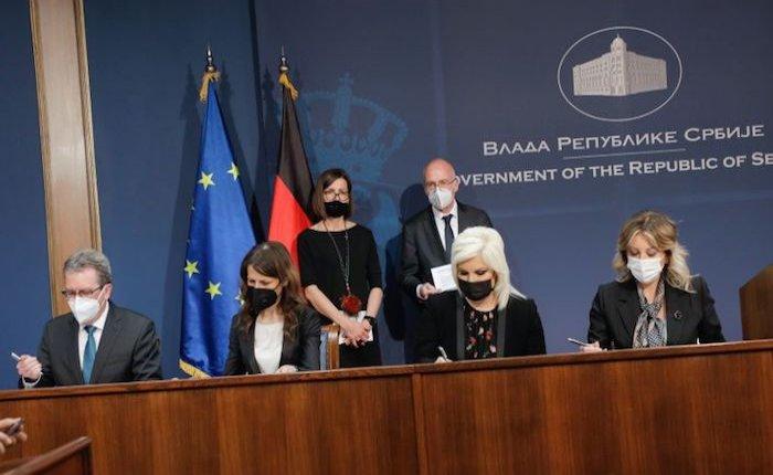 Sırbistan'a elektrik iletim ağı için 12,8 milyon euro bağış