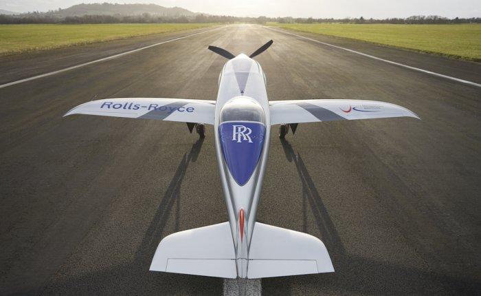Elektrikli Rolls-Royce uçağı havalanmak için gün sayıyor