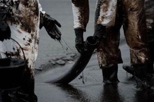 Tayland`daki petrol sızıntısı tatil bölgelerini vurdu