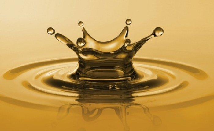 Küresel petrol üretimi Nisan'da azaldı