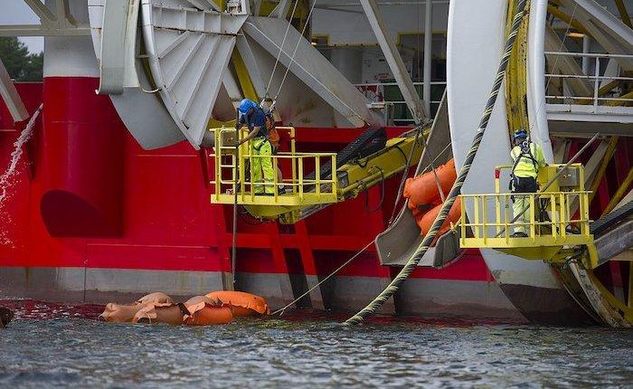 Norveç - Almanya su altı elektrik hattı devrede