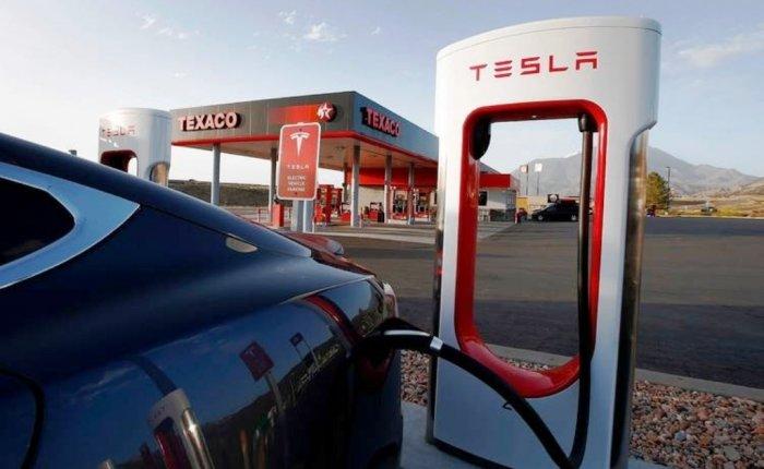 Tesla Çin'de güneş enerjili ilk şarj istasyonunu açtı
