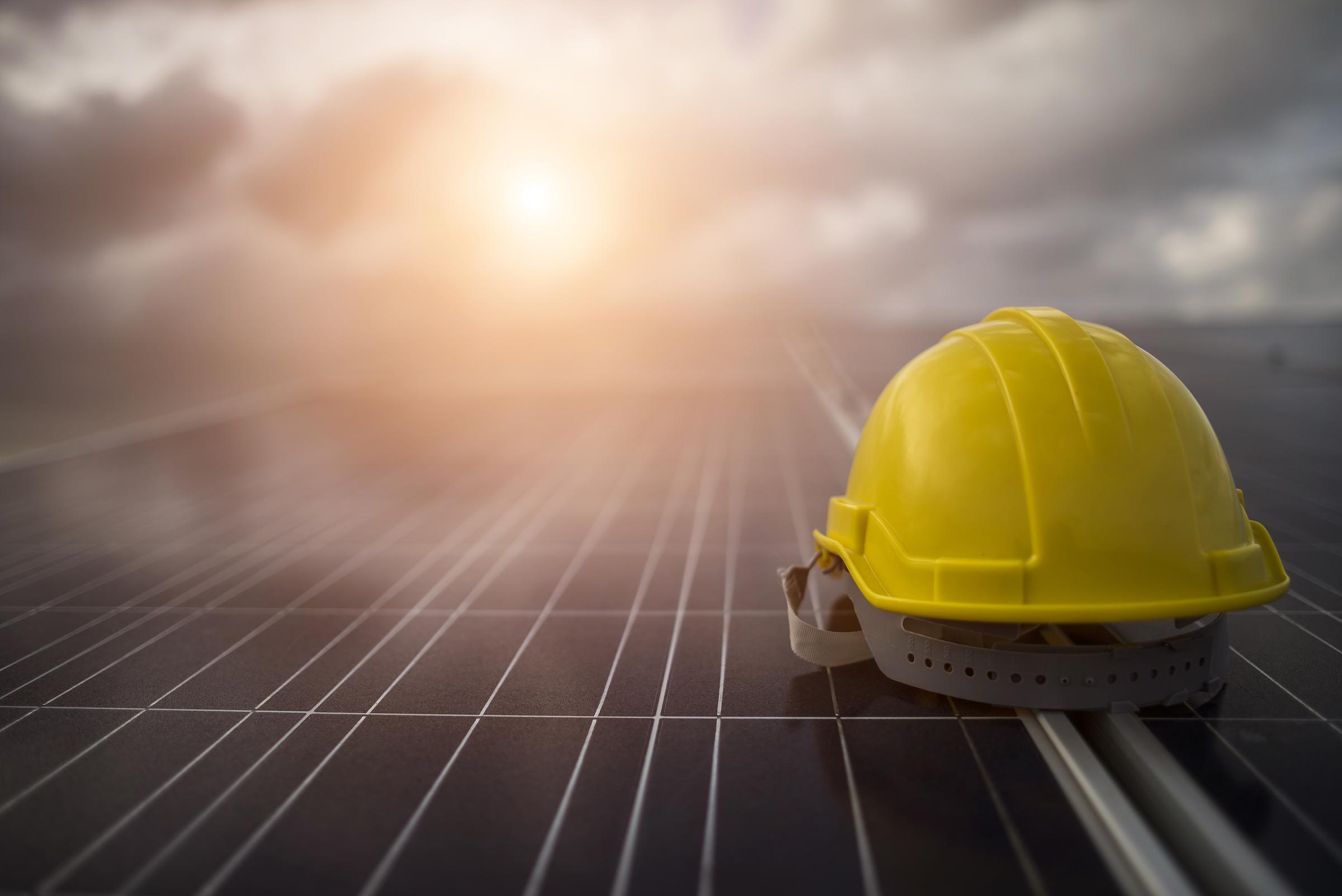 Güneş santrallerinde gün ışığını garantilemek şart