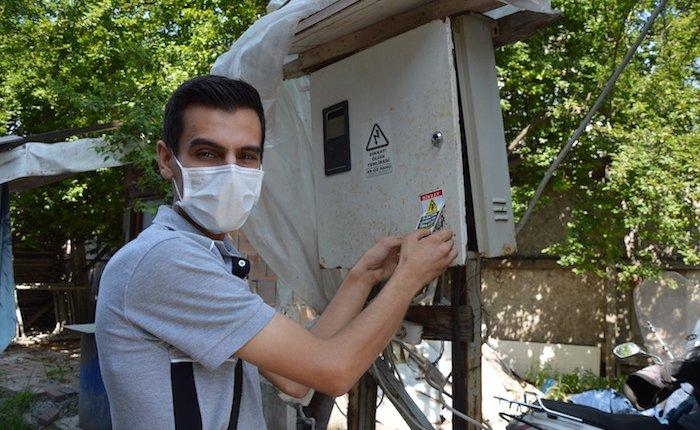 SEDAŞ'tan tehlikeli elektrik tesisatlarına uyarı etiketi