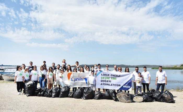 Limak çalışanları, leylek cenneti Gölyazı'yı temizledi