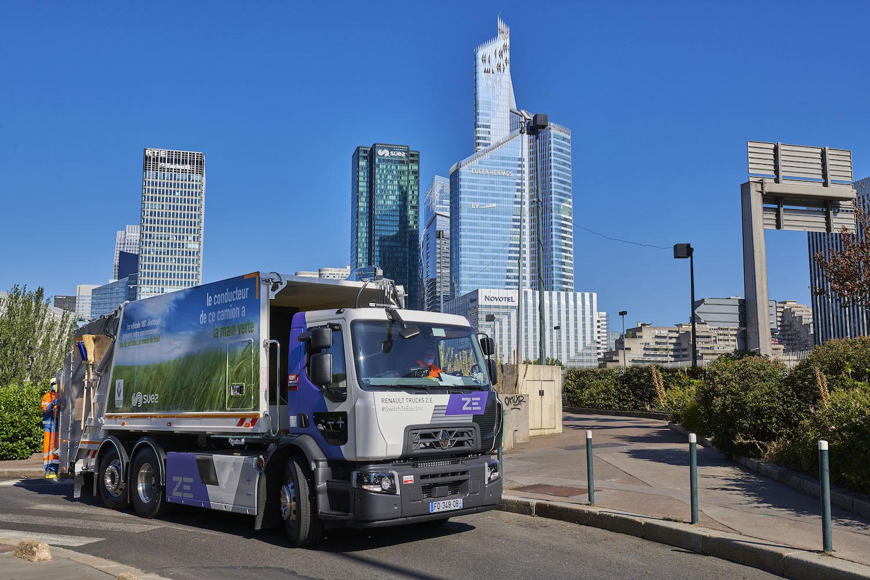 Renault'nun elektrikli kamyonları, Fransa'da evsel atık topluyor