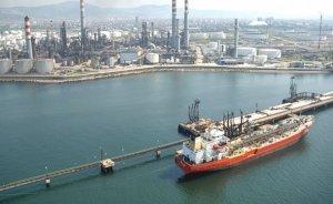 Libya'da petrol tankerine hava saldırısı