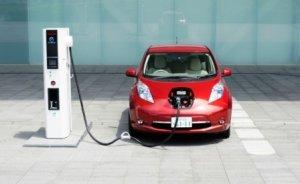 Japonya`da elektrikli araç şarj noktaları akaryakıtı geçti