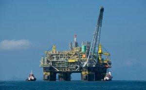 Shell ve Total Batı Afrika projelerini erteledi