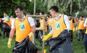 Migros çalışanları sahil temizliği yaptı