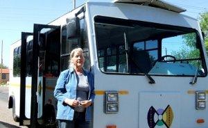 ABDli kadın girişimciden güneş enerjili otobüs